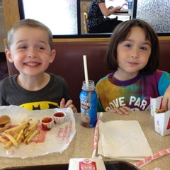 Photo taken at Wendy's by Dan E. on 8/17/2012