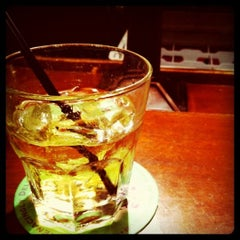 Photo taken at Uno Pizzeria & Grill - Exton by Brian H. on 1/26/2011