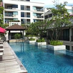 Photo taken at Tara Mantra Cha-Am Resort (ธารามันตรา ชะอำ) by สันติธร ย. on 8/21/2012