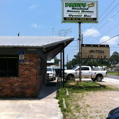 Photo taken at Posey's by Jennifer E. on 5/30/2012
