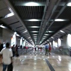 Photo taken at Serangoon MRT Interchange (NE12/CC13) by Bala G. on 2/24/2011