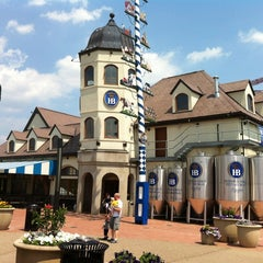 Photo taken at Hofbräuhaus Pittsburgh by Vinicius S. on 7/6/2012