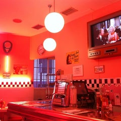 Photo taken at Peggy Sue's by Jose Carlos C. on 4/8/2012