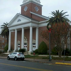 Photo taken at First Baptist Church of Tallahassee by Allen T. on 12/21/2011