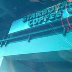 Photo taken at Starbucks by Rummy D. on 11/13/2011
