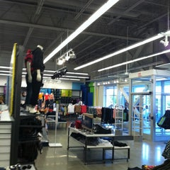 Photo taken at Old Navy by Zach W. on 8/12/2011