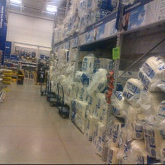 Photo taken at Lowe's Home Improvement by Sunny G. on 10/29/2011