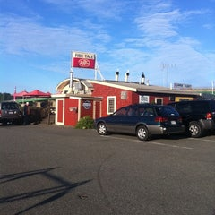 Photo taken at Fish Tale Diner by Eran P. on 9/17/2011