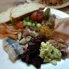 Photo taken at Kitzel's Crazy Delicious Delicatessen by Lam N. on 12/26/2011