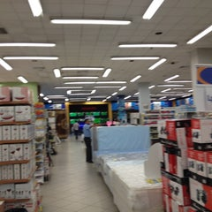Photo taken at Diunsa Superstore by Lini G. on 6/8/2012