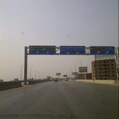 Photo taken at Ring Road | الطريق الدائري by Yehia Z. on 7/23/2012