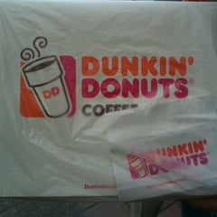 Photo taken at Dunkin' Donuts by Naxo P. on 1/14/2012