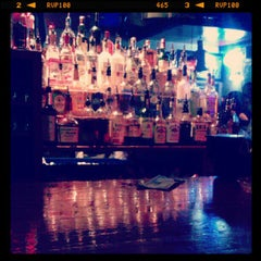 Photo taken at Alley Cat Lounge by Kimberly Anne S. on 5/12/2012