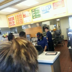 Photo taken at Wendy's by Willie L. on 3/18/2012