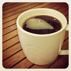 Photo taken at Starbucks (สตาร์บัคส์) by OH I. on 5/22/2012