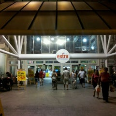 Photo taken at Extra Supermercado by Wallace W. on 2/4/2012