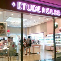 Photo taken at Etude house by Alice L. on 4/29/2012