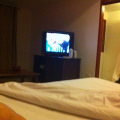 Photo taken at The Centric Ratchada Hotel Bangkok by Jane P. on 5/4/2012
