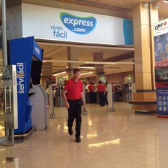 Photo taken at Lider Express by Andres Re-paíto D. on 3/14/2012