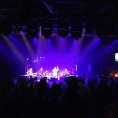 Photo taken at Amos' Southend by Assaf W. on 9/4/2012