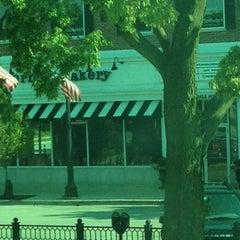 Photo taken at Corner Bakery Cafe by Dwiight M. on 9/3/2012