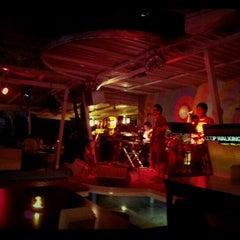 Photo taken at CHIQ Bar & Restaurant by ไอแอมเปเป้ i. on 4/3/2012
