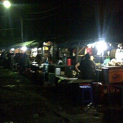 Photo taken at Nasi jagal by Rissna Y. on 6/2/2012