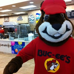 Photo taken at Buc-ee's by Carlos Z. on 3/25/2012