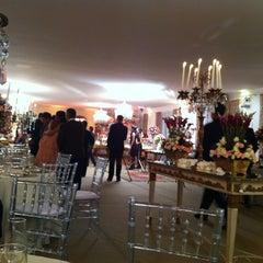 Photo taken at Alice's Garden Buffet by Joseleda P. on 4/15/2012