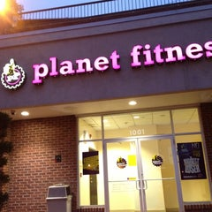 Photo taken at Planet Fitness by Chanelle H. on 4/26/2012
