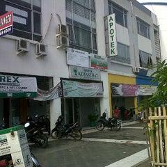 Photo taken at APOTEK KOTA SEHAT by Asrul H. on 1/20/2012