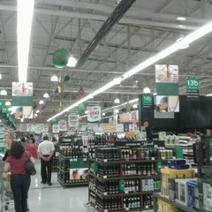 Photo taken at Jumbo by Hellmuth W. on 11/27/2011