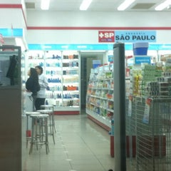 Photo taken at Drogaria São Paulo by Dorian G. on 5/17/2012