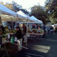 Photo taken at Palo Alto Farmers Market by Yoeau S. on 11/19/2011