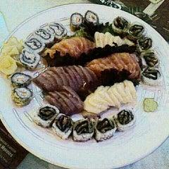 Photo taken at Japinha Sake Bar by Ana Cristina Mokdeci®  on 12/10/2011