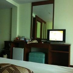 Photo taken at Windmill Resort Hotel (โรงแรม วินด์มิลล์ รีสอร์ท) by Aon S. on 7/15/2012