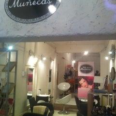 Photo taken at Sólo Para Muñecas by Axel A. on 5/29/2012