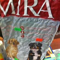 Photo taken at Mundo Animal by Saul D. on 12/16/2011