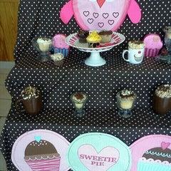 Photo taken at Cupcake Cutie Etc. by Deshana W. on 9/12/2011
