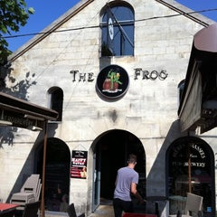Photo taken at The Frog at Bercy Village by Stephane L. on 5/21/2011