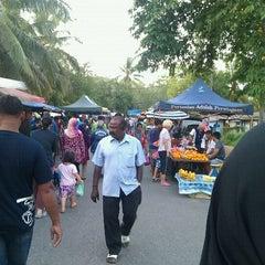 Photo taken at Pasar Malam Kok Mak by Encik Ahmad on 5/30/2012