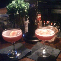 Photo taken at Seven Grand by Vixen's LA Happy Hours on 6/12/2011