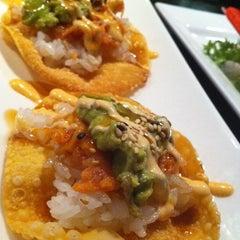Photo taken at Jasmine Thai Restaraunt Sushi Bar by gUle chEn on 11/6/2011