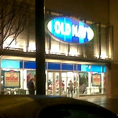 Photo taken at Old Navy by Marianne T. on 12/22/2011