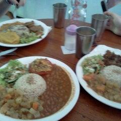 Photo taken at Restaurante Vegetariano Mandir by Herik C. on 4/12/2012