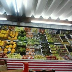 Photo taken at Frutaria Paulista by Gardenia F. on 5/29/2012
