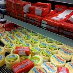 Photo taken at Super Muffato by Thiago M. on 2/13/2012