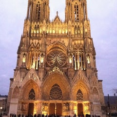 Photo taken at Cathédrale Notre-Dame de Reims by Marco G. on 12/10/2011
