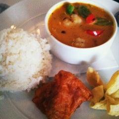 Photo taken at Tup Tim Thai by Andryana C. on 6/19/2012