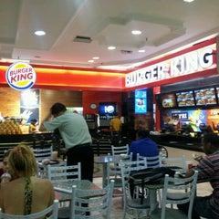 Photo taken at Burger King by Gustavo B. on 1/11/2012